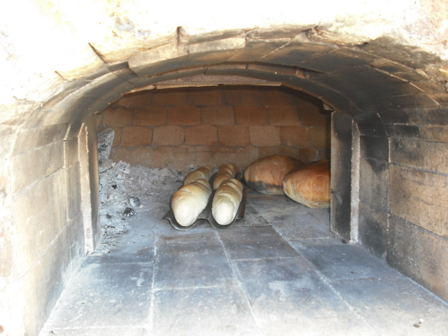 Baking Bread In The Pizza Oven Books Publishing