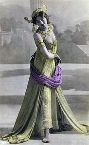 Femmes Fatales Mata Hari 2